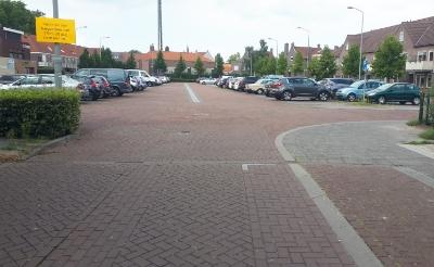 Wie 17 augustus zijn auto nog op het Breukelsplein of de Markt heeft staan, loopt het risico dat deze wordt weggesleept. (Foto: Pål Jansen).
