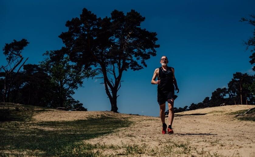 Kiske is volop in training om drie keer de Mont Ventoux rennend te beklimmen. Foto: Crebas Fotografie