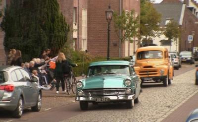 De Oirschotse oldtimerrit voert zondag 5 september ook door Boxtel en Liempde.