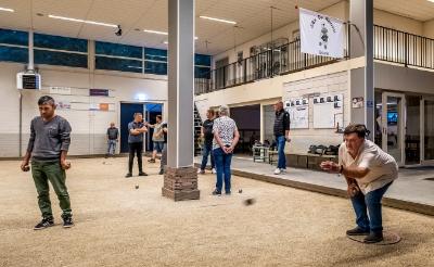 Op vrijdag is iedereen welkom om eens een avondje te komen jeu-de-boullen bij JBV De Walnoot.