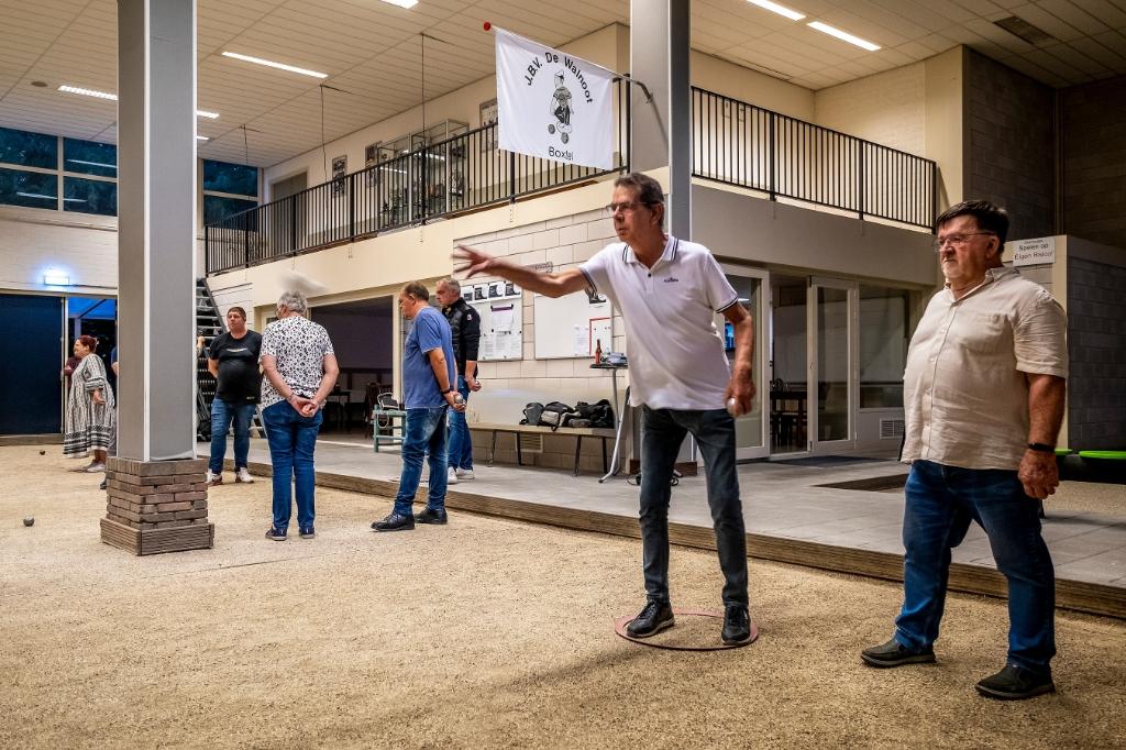 Op vrijdag is iedereen welkom om eens een avondje te komen jeu-de-boullen bij JBV De Walnoot.  Foto: Peter de Koning ©