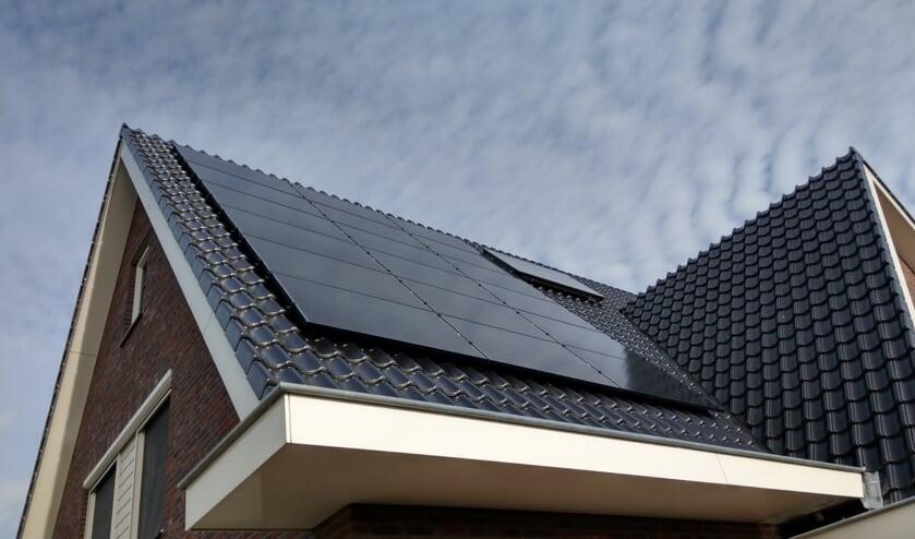 Een woning met zonnepanelen van Huisman Etech Experts.
