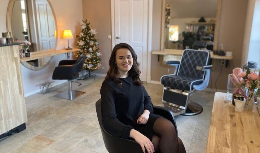 Milou Kordes in haar nieuwe salon.