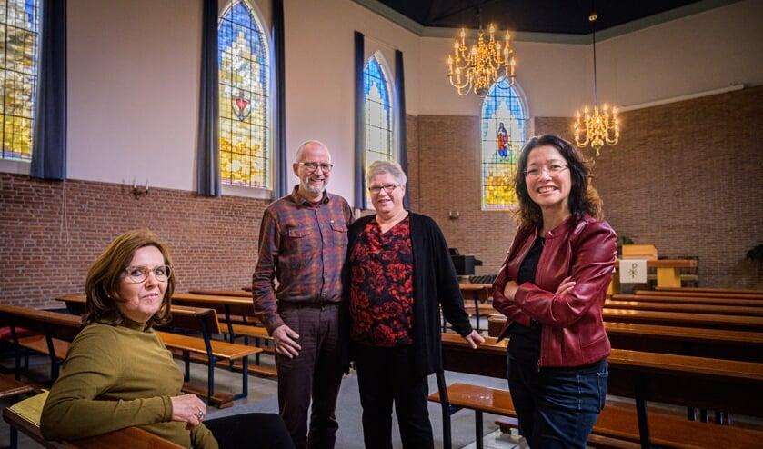 V.l.n.r.: Anita van de Klok, Piet en Dirkje den Breejen en Rachel Notenboom.