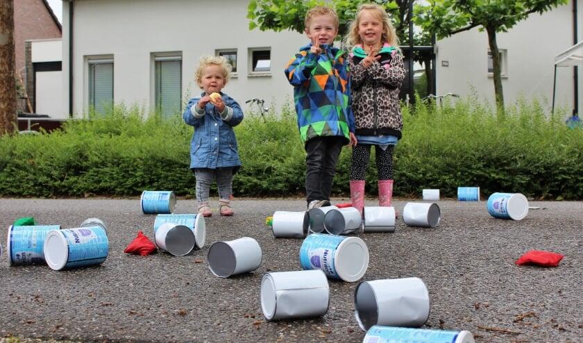 <p>Spelletjes spelen tijdens buitenspeeldag.&nbsp;</p>