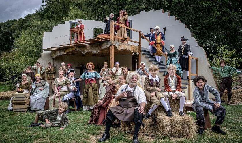 <p>Eerdere productie van Musical Maas &amp; Waal &#39;uit de schaduw van Appeltern&#39;</p>