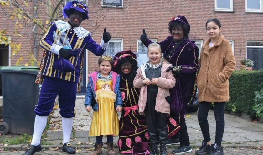 <p>De vrienden van Sinterklaas in Druten Zuid.</p>
