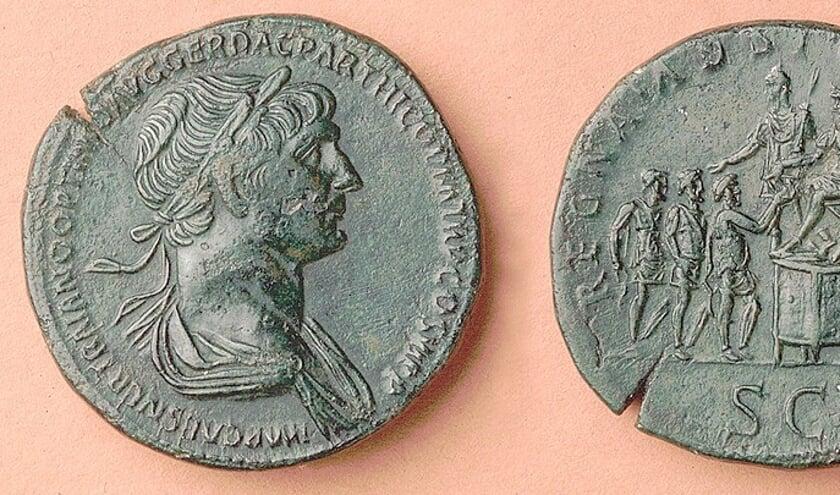 <p>Romeinse munt met afbeelding van keizer Trajanus</p>
