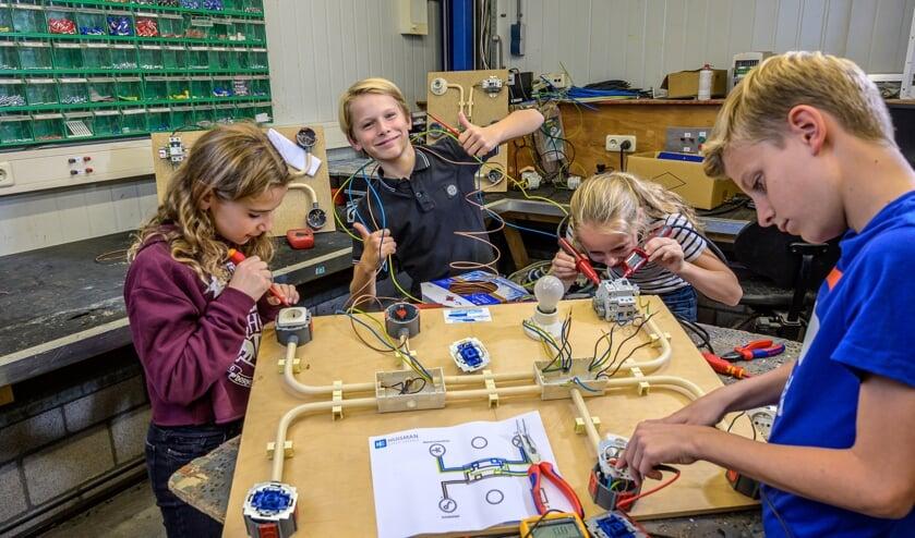 <p>Kinderen werden tijdens de jaarlijkse Techniekdag geënthousiasmeerd voor een technische opleiding.</p>
