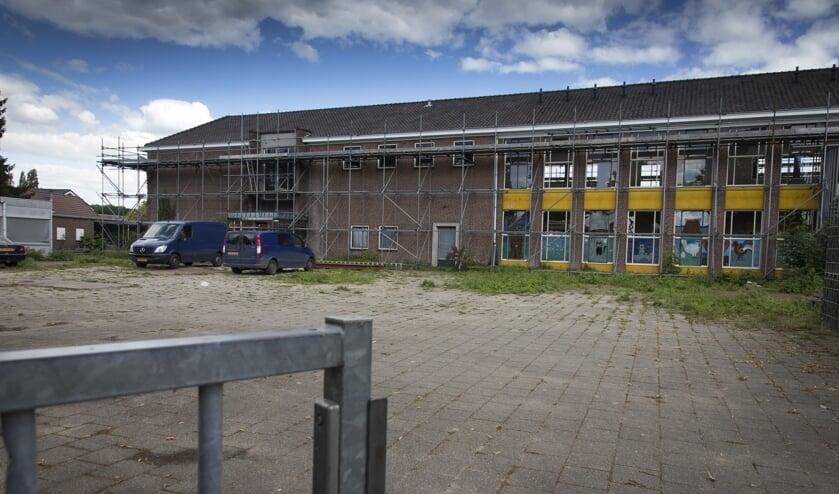 De voormalige basisschool krijgt een heel nieuw uiterlijk.