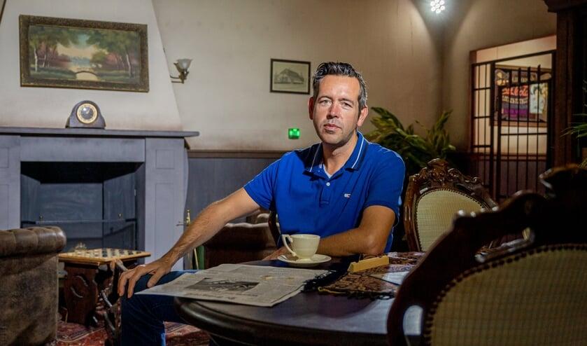 Joep van Gruijthuijsen in de nieuwste escaperoom 'Kamer 13'.