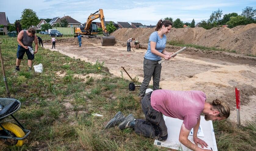 Het archeologisch onderzoek is in volle gang.