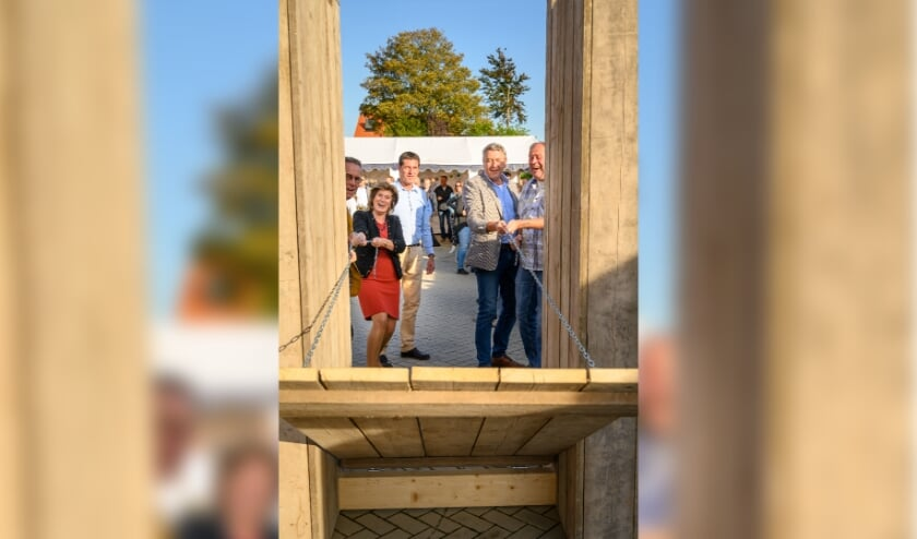 Wamelse Poort feestelijk geopend