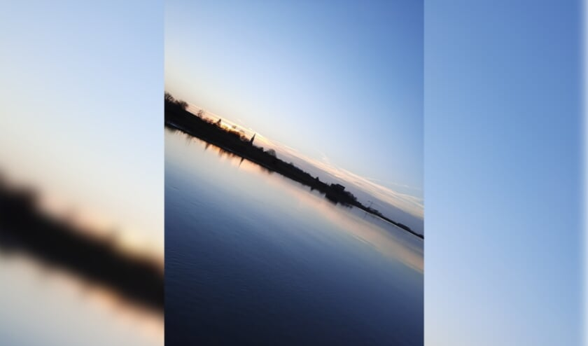 <p>Zonsondergang Drutense uiterwaarden</p>