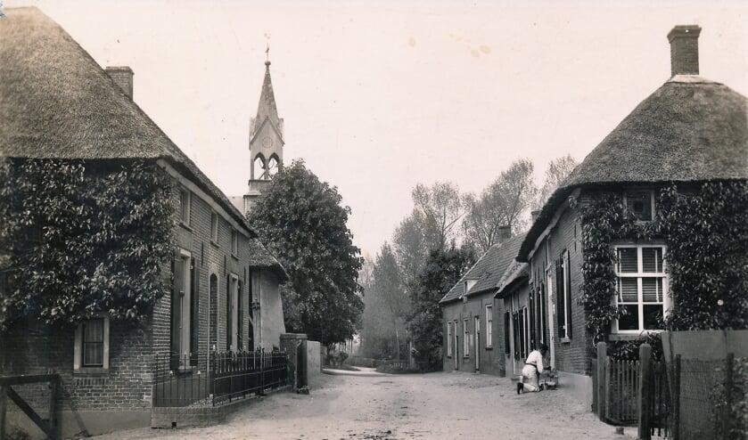 De Dorpsstraat/Kerkstraat in Altforst plm. 1944