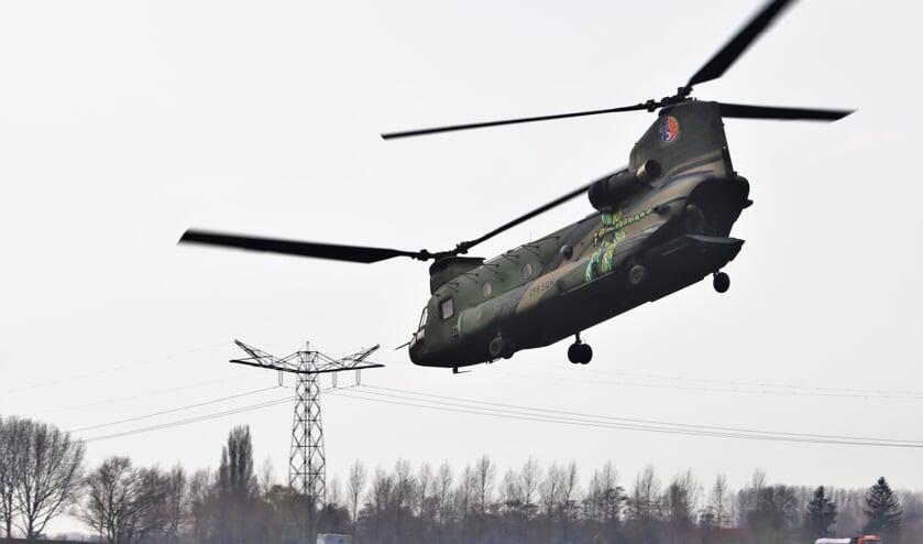 <p>Recente oefening met een Chinook in Beneden-Leeuwen.</p>