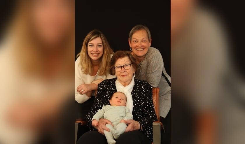 Vier generaties familie Adams.