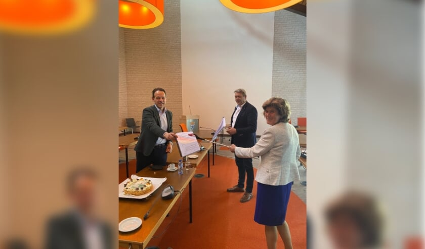 <p>John van Wanrooij, Ren&eacute; Cruijsen en Ans Mol (vlnr)</p>