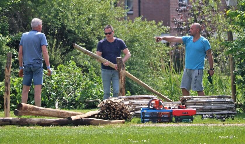 <p>NL Doet actie bij Park Groenewoud in Boven-Leeuwen</p>