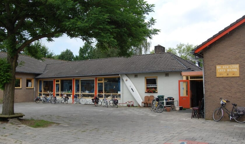 <p>Kringloopwinkel Bijwa</p>