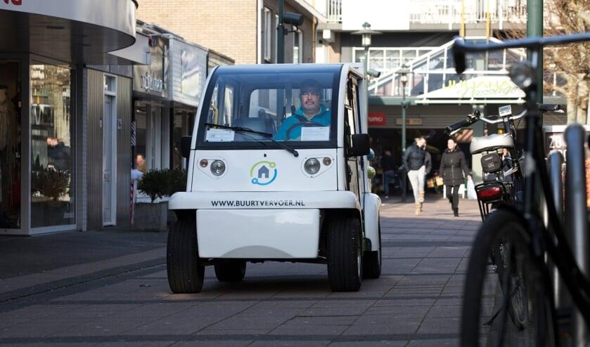 <p>De herkenbare auto van Buurt Vervoer Beuningen.</p>