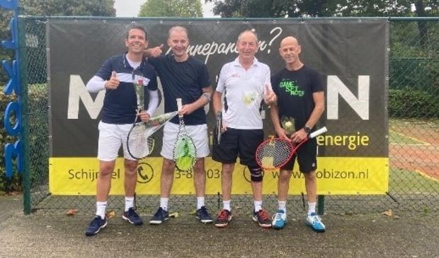 Foto vlnr: DH5 Koen Korsten, Rob van Acquoy, Bert van Geffen en Johnny Havinga