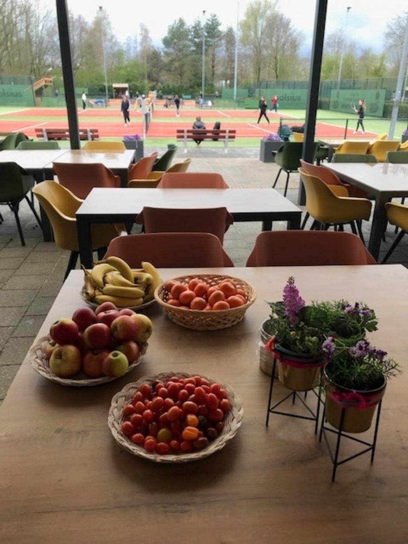 Voor de deelnemers lag een gezonde snack klaar. TC Skinlo © mooischijndel