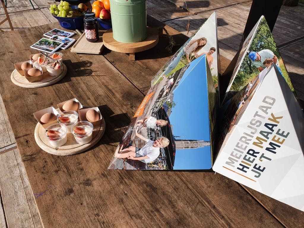 Ontbijt bij de lancering van de website bezoekmeierijstad.nl  © mooischijndel