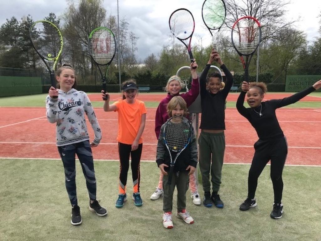 Onderling tennissen bij TC Skinlo TC Skinlo © mooischijndel