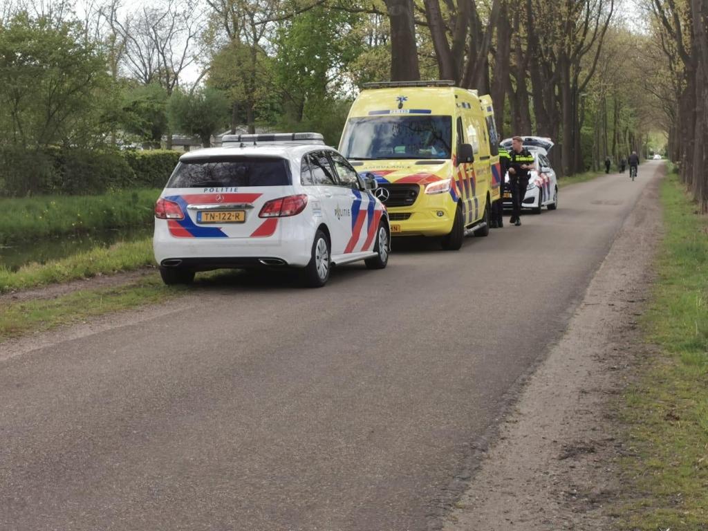 Auto te water aan de Heikampen in Schijndel 112nieuwsonline.nl  © mooischijndel