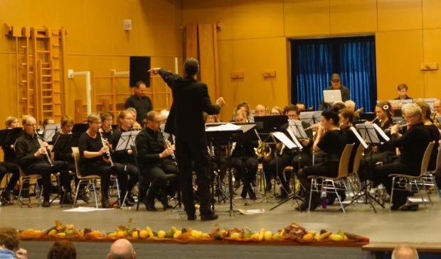 <p><strong>Koninklijke Harmonie St. Cecilia tijdens een eerder optreden. Foto: Pascal van Oers.</strong></p>