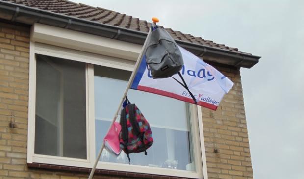 <p>De vlag kan uit!</p>