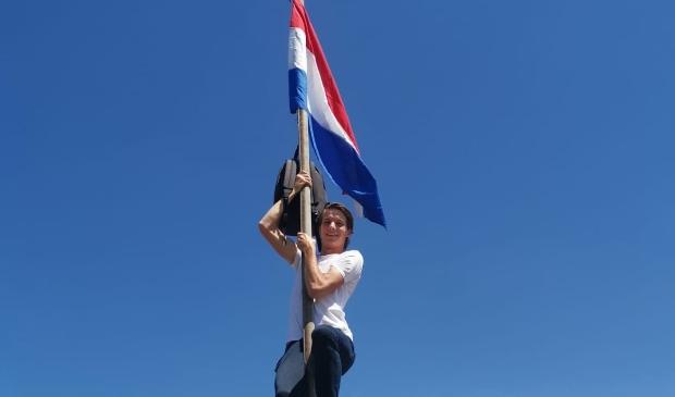 <p>Stefan Voets, slaagde vorig jaar voor z'n MBO-opleiding Paraveterinair en stuurde deze foto in.</p>