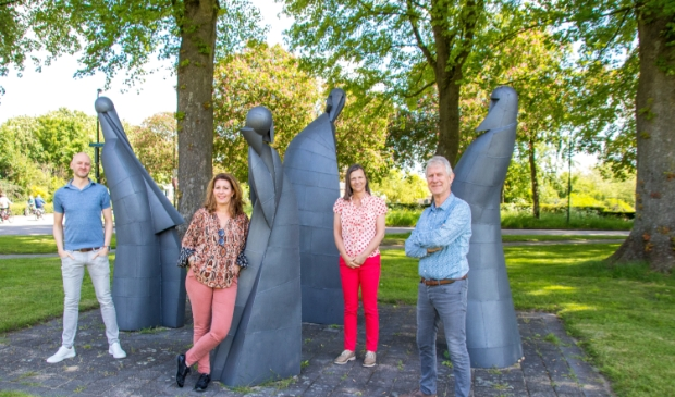 Het bestuur v.l.n.r.: Bas, Moniek, Jeannine en Wim.
