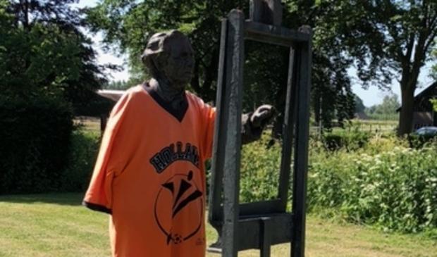 <p>Oranjekoorts bij Dorus van Oorschot</p>