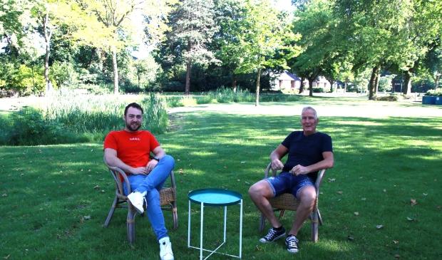 Thomas de Groot en Bert Kronenburg zitten er klaar voor in het Jansenpark