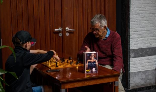 <p>Leren schaken van Henk Burg.</p>