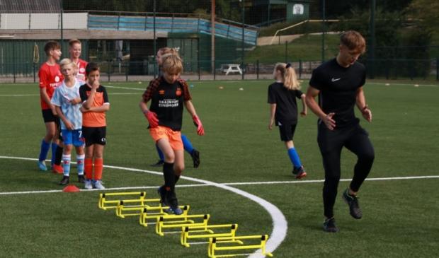 <p>Profvoetballer Sven Blummel doet het voor.&nbsp;</p>