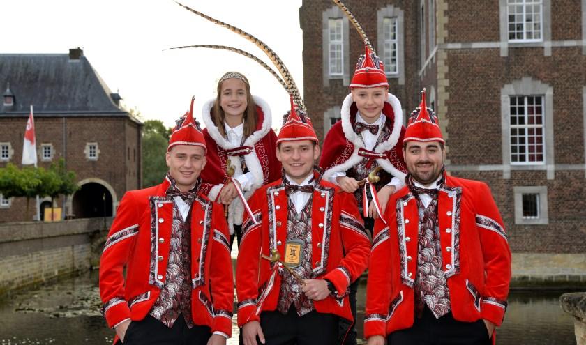 De Prinsenfamilie van de Heiknuuters voor het komende carnavalsseizoen