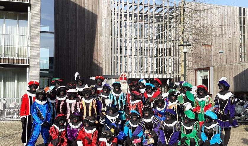 Sinterklaas en zijn pieten in Maarheeze