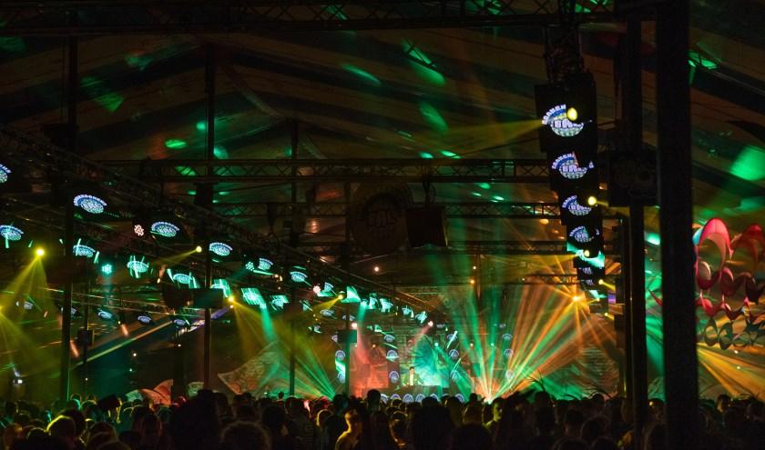 Het was een compleet carnaval walhalla in de tent, foto: Michel Achten