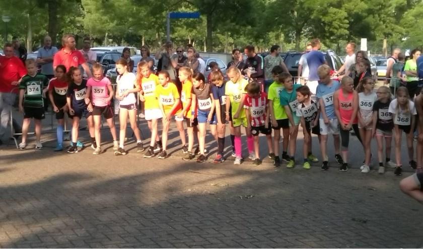 Start 1000 meter jongens en meisjes