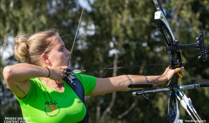 Magali tijdens de finale in opperste concentratie, foto: Gerrit Buitenhuis