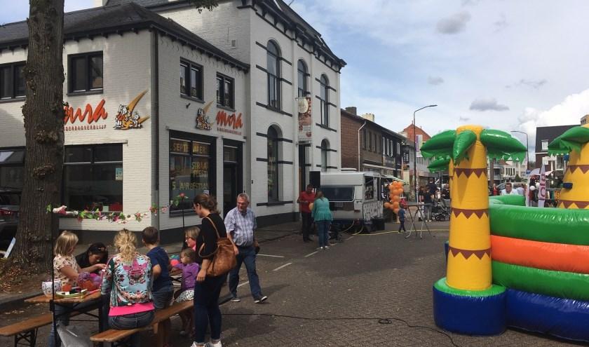 Feest in de straat, foto: Lieke Janssen