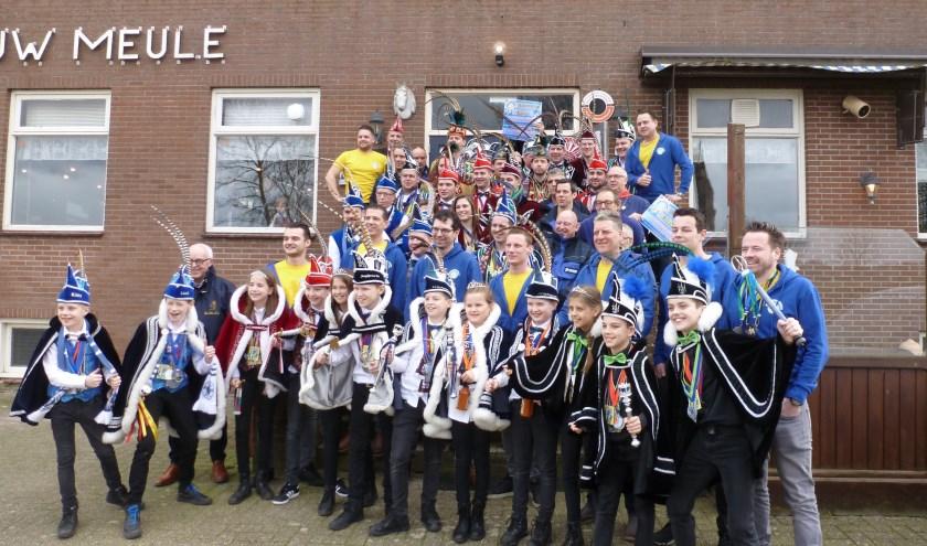 De carnavalsverenigingen ontvingen weer mooie bedragen van Stichting Verbroederingsbal Cranendonck
