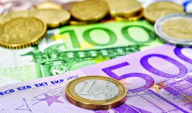 <p>3899768_hc07 euros.jpg</p>