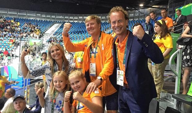<p>Van der Vorst met de koninklijke familie op de tribune bij de Olympische Spelen in 2016 in Rio de Janeiro</p>