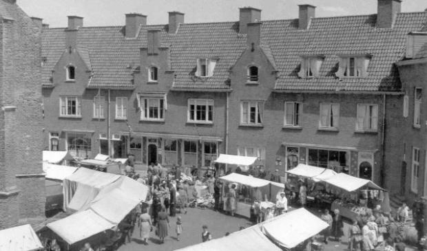Delftse Schoolarchitectuur Wageningen - Wageningse markt jaren 50.