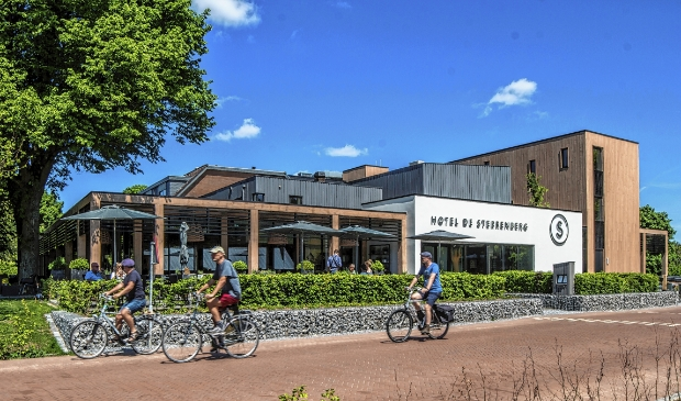 <p>Hotel De Sterrenberg aan de Houtkampweg in Otterlo.</p>