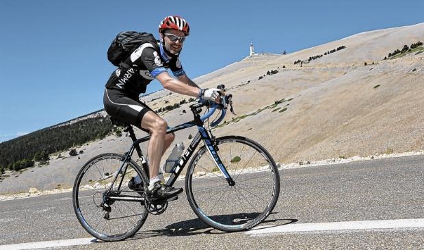<p>De Mont Ventoux vormt een enorme uitdaging.</p>
